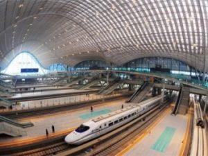 Китай построил новую 886-километровую железную дорогу, которая поможет развитию запада страны