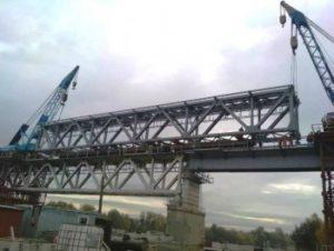 УЗ провела операцию по замене моста двумя кранами по самому высокому уровню сложности